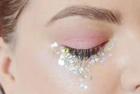 Funk Makeup, 10 Funky Makeup Trends To Try