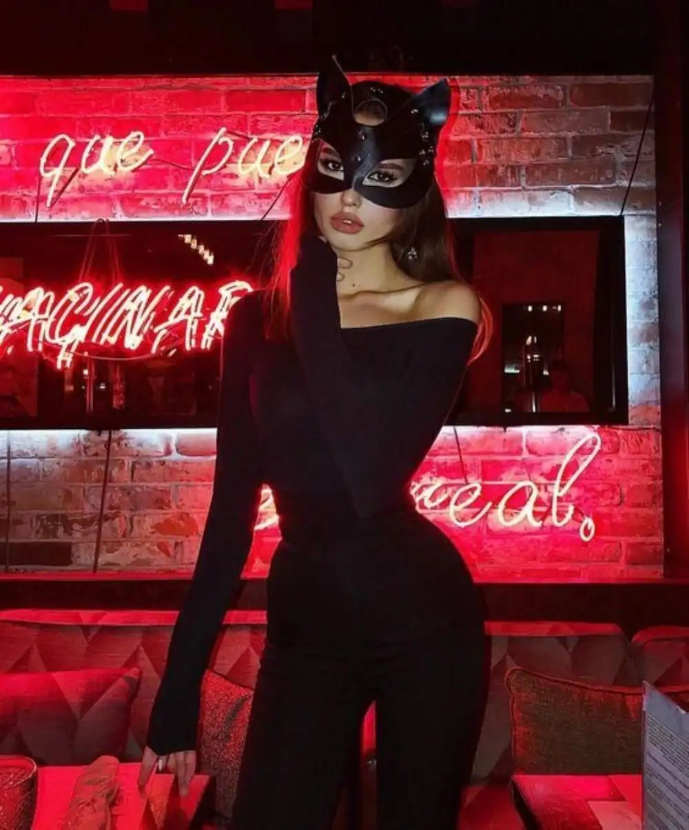 20 Sexy Halloween Costume Ideas For College Students - Society19