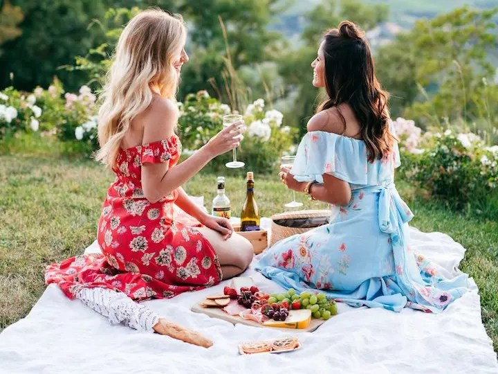 DIY Backyard Picnic Ideas You'll Want To Try
