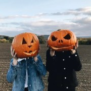 15 Pieces Of Halloween Yard Decor That Will Give Your Neighbors The Spooks