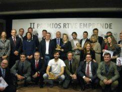 Foto familia premios Emprende RTVE
