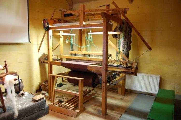 Originalwebstuhl des Manus Ferry Tweed Tweed – eine alte Webtraditon wieder aktuell