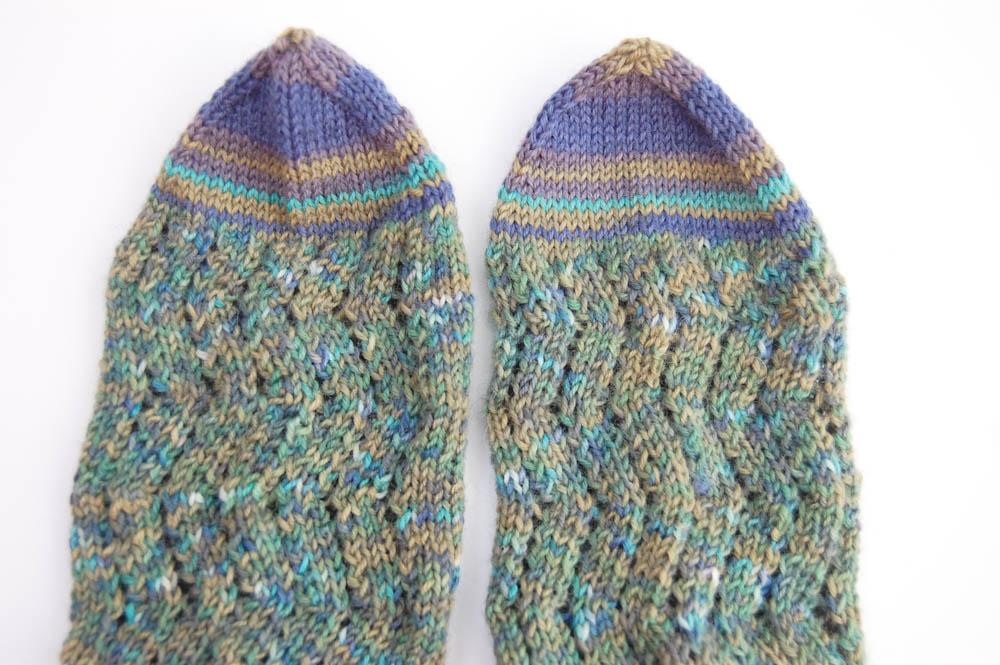 Regia Pairfect Socken stricken Rollrand Zackenmuster-12  Anleitung: Regia Pairfect - Socken stricken mit Rollrand und Zickzackmuster