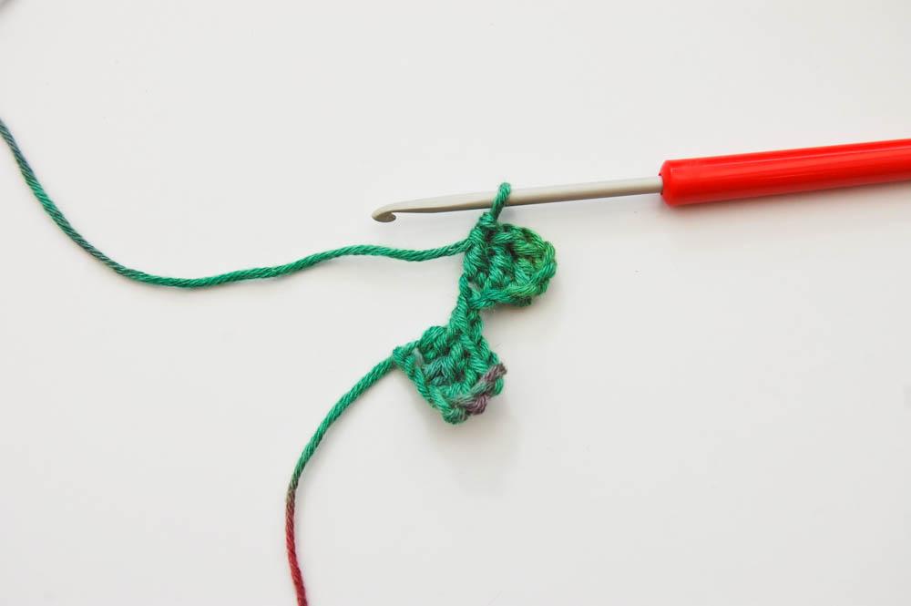Ecke-zu-Ecke-häkeln Schal-2tes Quadrat verbinden  Anleitung: Schal im Muster Von Ecke zu Ecke häkeln