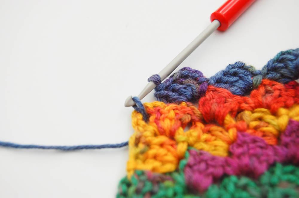 Von Ecke zu Ecke häkeln Schal Abnahmen am Rand  Anleitung: Schal im Muster Von Ecke zu Ecke häkeln
