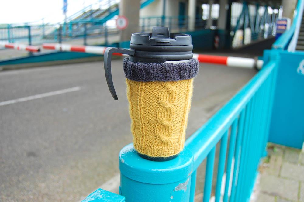 Hülle für Kaffeebecher stricken hülle für kaffeebecher stricken Anleitung: Hülle für Kaffeebecher stricken