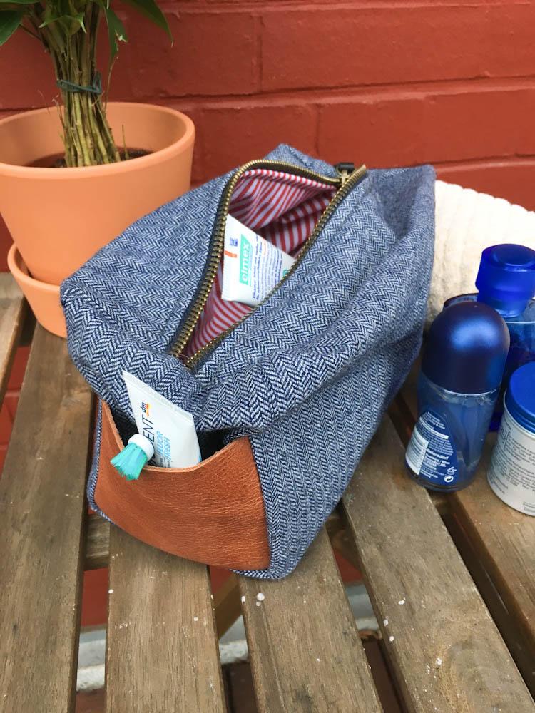 Männerwaschtasche männerwaschtasche Gastbeitrag: Eine stylische <i>Männerwaschtasche</i> genäht von Ann-Sophie Lömker