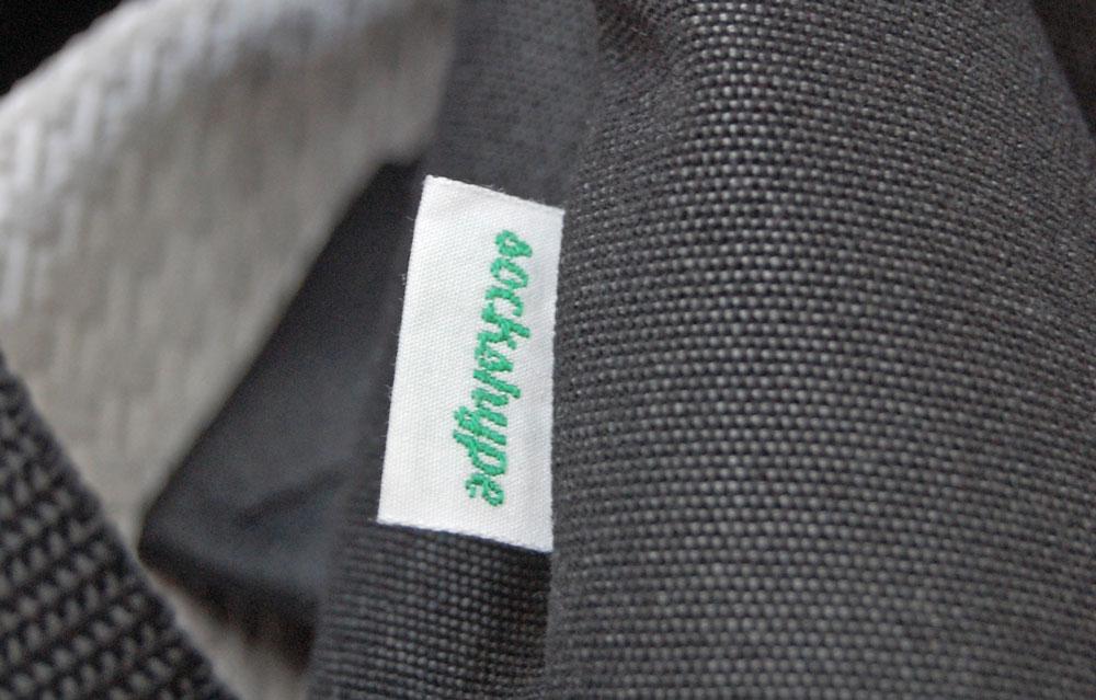 Rucksack nähen - eingenähtes Label  Anleitung: Schicken Rucksack nähen - Basismodell
