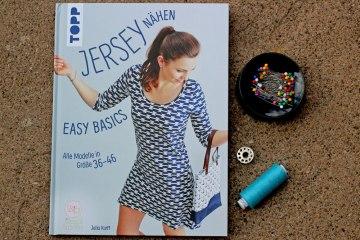 Buchbesprechung - Jersey nähen von Julia Korff  Buchbesprechung – Jersey nähen – Easy Basics von Julia Korff