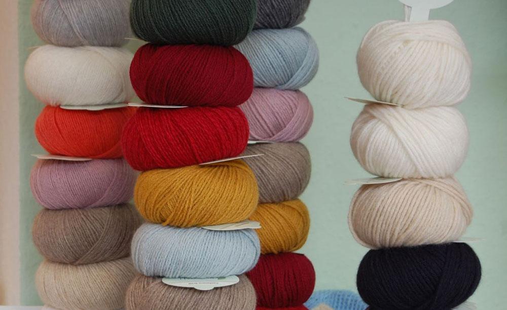 geschenke-fuer-stricker-wolle  17 geniale Geschenke für den Strickfan