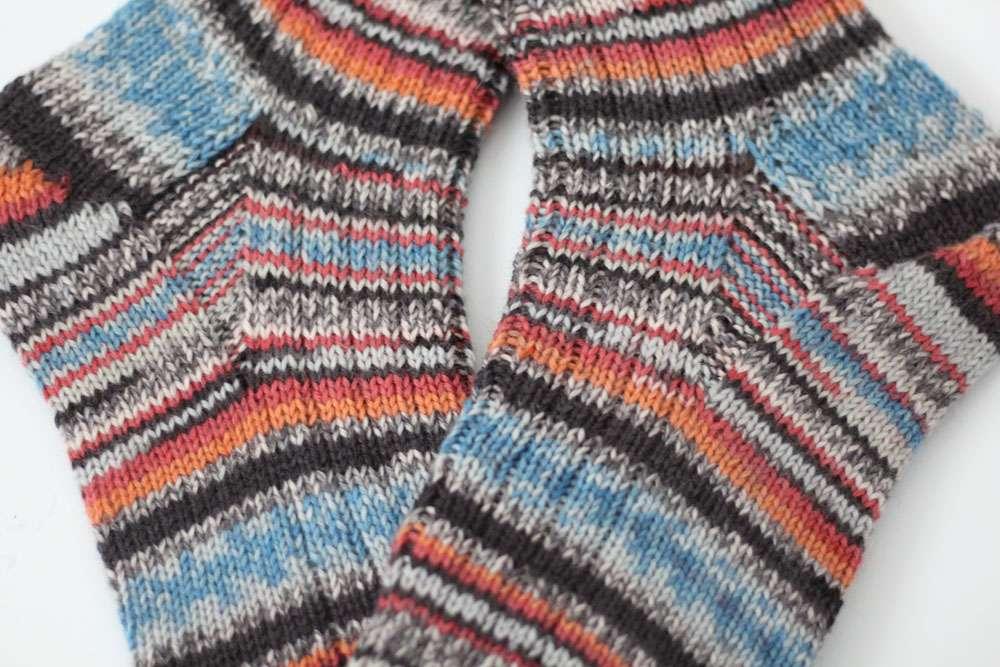 Zwei identische Socken stricken identische socken stricken Zwei identische Socken stricken - So funktioniert es