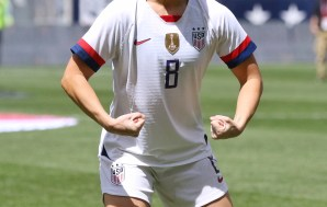 Gallery: USWNT tops Mexico in friendly as World Cup looms