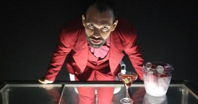 """De Rodrigo França, """"Capiroto"""" faz temporada presencial no Teatro Prudential"""