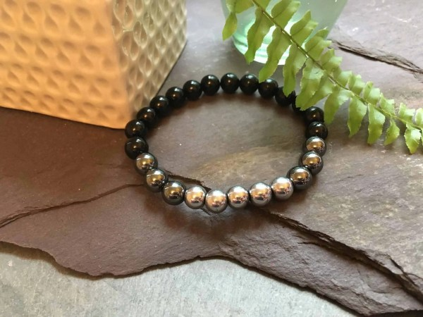 Fade to black. Onyx and Hematite Bead Bracelet