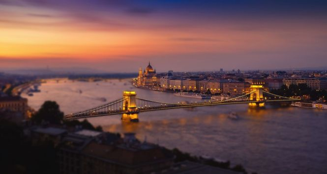 budapest 1959378 1920 - TOP 10 LOVELY AUTUMN DESTINATIONS