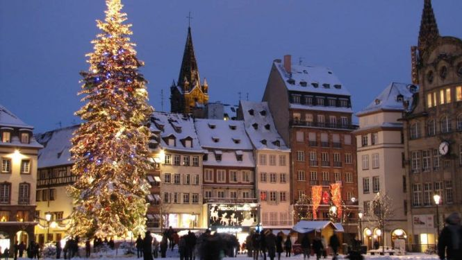 strasbourg2 - TOP 10 BEST CHRISTMAS TOWNS AND CITIES TO VISIT BEFORE AND AT XMAS TIME