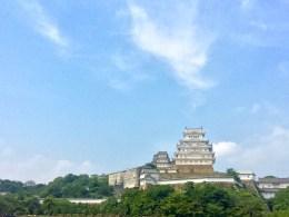 Hoch über der Stadt thront die Burganlage