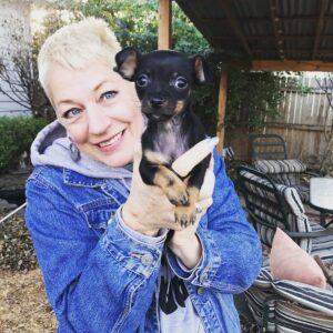 Sara Cunningham Free Mom Hugs