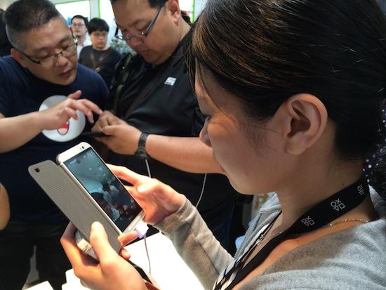 HTC One(M8) 亞洲首賣,4/30 前購買送 Dot View 炫彩顯示保護殼 2014-03-28-14.07.09