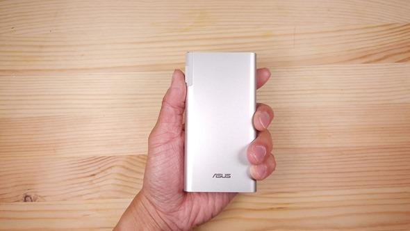 [評測] 旅行好搭檔! ZenPower Combo 快充行動電源讓你一顆當兩顆用 20160224_163416