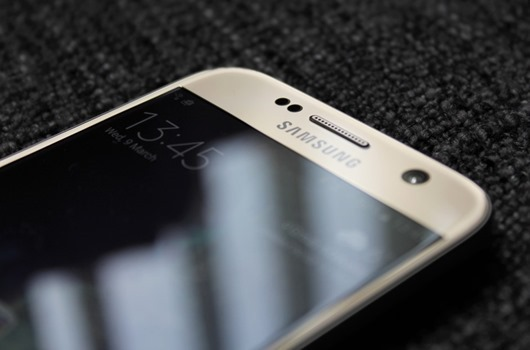 Galaxy-S7-close-up-front-940x621