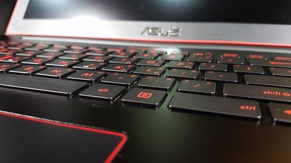[開箱] 輕薄、效能兼具 最輕薄的電競筆電 ROG G501 開箱評測 20160324_154458