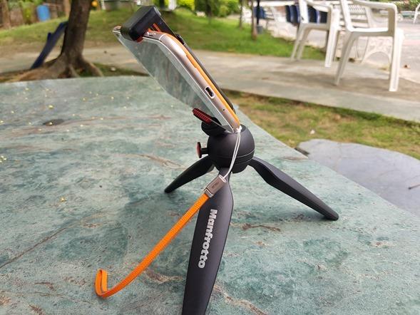 行動迷你腳架 ASUS ZenTripod 開箱 + ZenFone Zoom 新款炫酷橘背蓋分享 20160420_132832