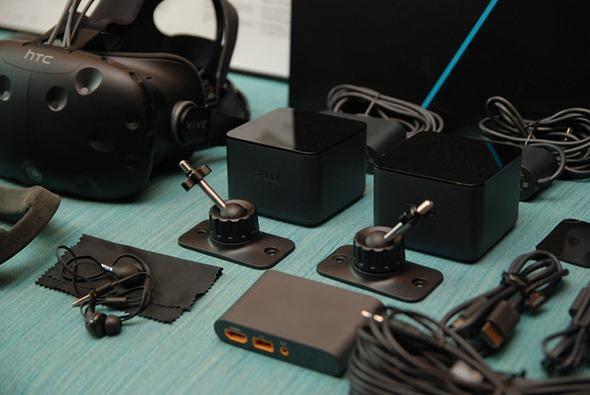 台灣 HTC VIVE 市售版開箱!各裝置細節深入說明 base-station