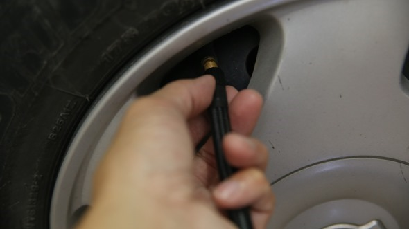 開箱/汽機車、玩具通用 米其林數位自動高速打氣機(12266),輕便好攜帶 IMG_3433
