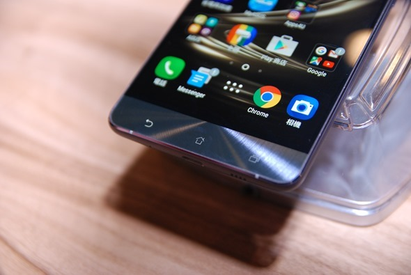 華碩正式發表 ZenFone 3 系列旗艦手機,售價 7,990 起! DSC_0005