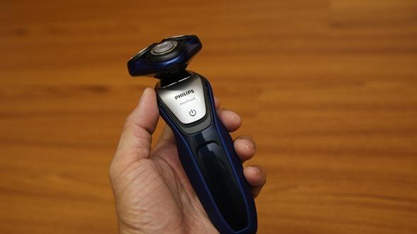 開箱:荷蘭原裝 PHILIPS 三刀頭乾濕兩用電鬍刀(S5600) IMG_3614