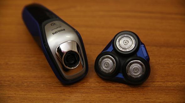 開箱:荷蘭原裝 PHILIPS 三刀頭乾濕兩用電鬍刀(S5600) IMG_3627