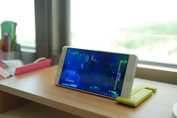 最符合影音娛樂需求的大螢幕智慧手機:華碩 ZenFone 3 Ultra DSC_0025-2