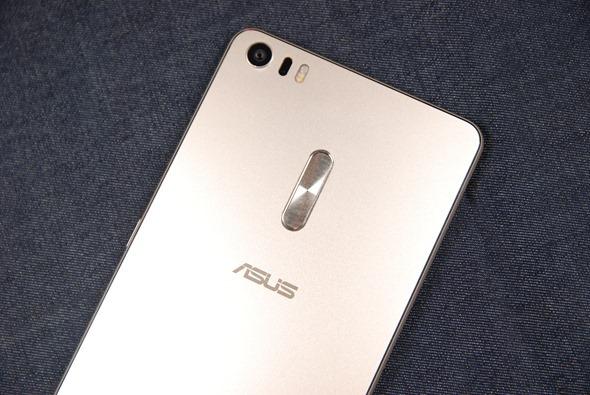 最符合影音娛樂需求的大螢幕智慧手機:華碩 ZenFone 3 Ultra DSC_0034-1