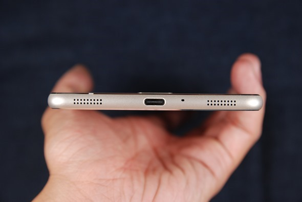 最符合影音娛樂需求的大螢幕智慧手機:華碩 ZenFone 3 Ultra DSC_0044-1