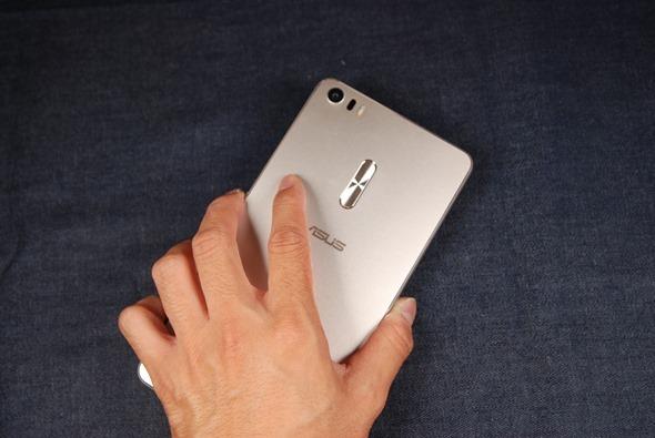 最符合影音娛樂需求的大螢幕智慧手機:華碩 ZenFone 3 Ultra DSC_0046