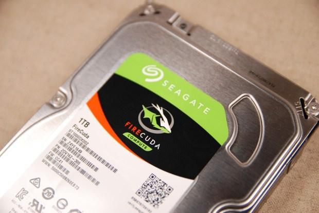 又俗又大碗!Seagate FireCuda 希捷火梭魚平民版固態混合硬碟,讓開機速度有感提升 (含實測) DSC_0201-1