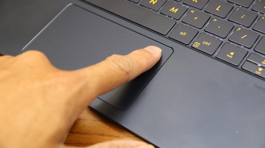 極度輕薄!ASUS ZenBook 3 UX390UA(皇家藍)開箱評測 IMG_5715
