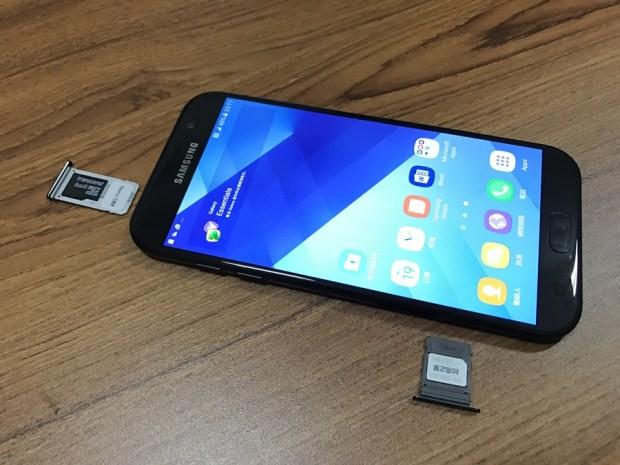 Samsung Galaxy A7(2017) 開箱評測,支援IP68防水、雙1600萬畫素鏡頭與超強電池續航力 IMG_6928