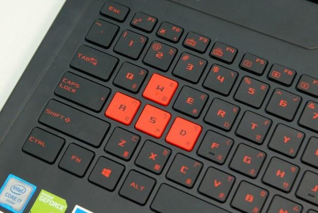 滿滿的效能帶在身上! ASUS ROG STRIX GL502VM 電競筆電輕鬆玩 VR,給你滿滿的大效能! DSC_0068