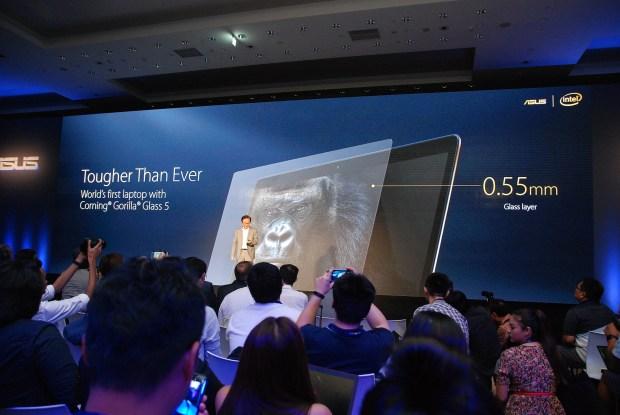 華碩 2017 新品筆電、手機大量公開!高效輕薄超亮眼 DSC_0078-900x602