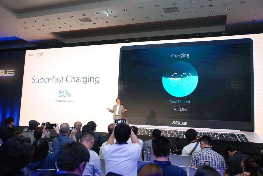 華碩 2017 新品筆電、手機大量公開!高效輕薄超亮眼 DSC_0097-900x602
