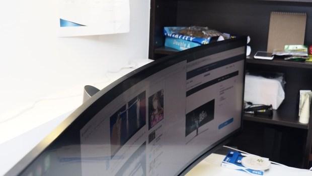 爽度最高!不只是電競螢幕,三星 32:9 超級寬螢幕 CHG90 評測 8210731