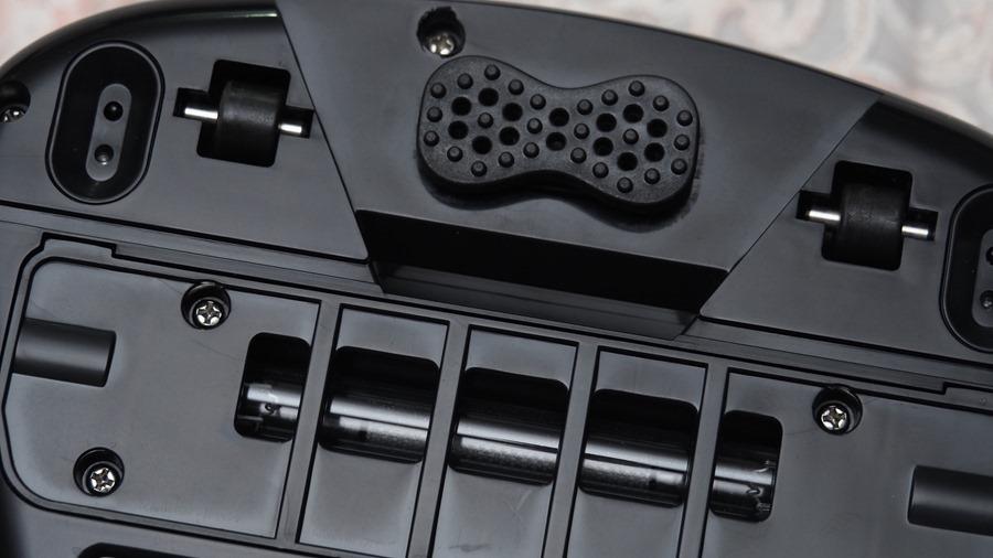 EULEVEN 有樂紛熱風塵螨吸塵器,搭配 UVC 紫外線、60 度熱風,清除床上塵螨看得見 A271923
