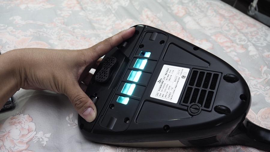 EULEVEN 有樂紛熱風塵螨吸塵器,搭配 UVC 紫外線、60 度熱風,清除床上塵螨看得見 A271924