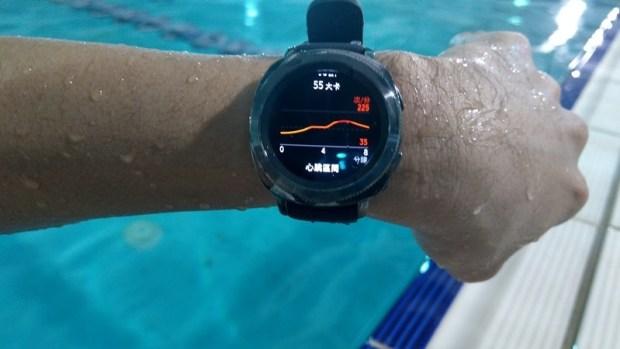 Samsung Gear Sport 開箱評測,兼具運動貼身教練與智慧手錶的時尚組合 IMAG0814