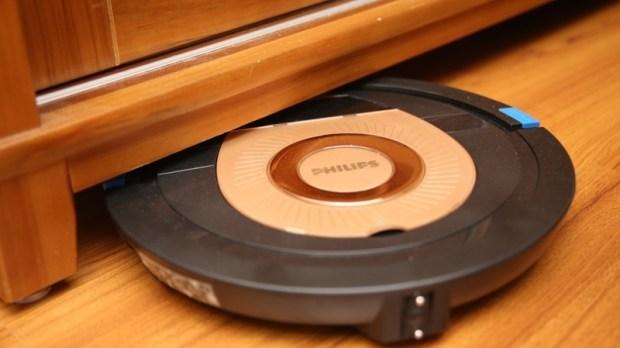 [史上最便宜] 飛利浦掃地機器人(FC8776/31)推薦,超薄機身家具底下空間輕鬆深入清潔 image031