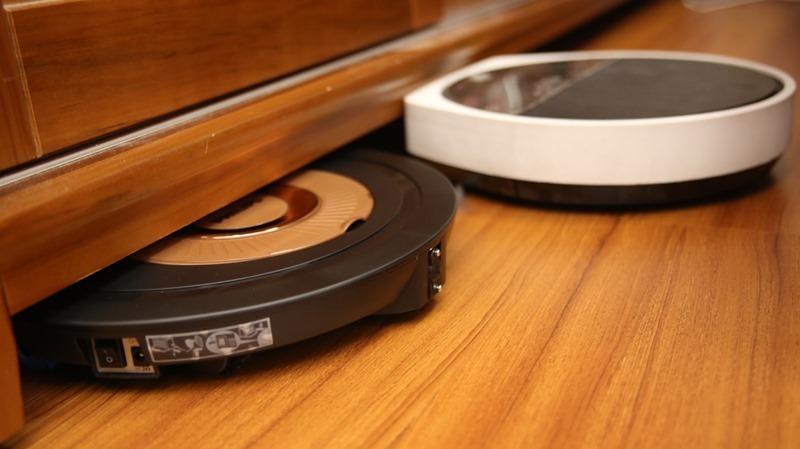 [史上最便宜] 飛利浦掃地機器人(FC8776/31)推薦,超薄機身家具底下空間輕鬆深入清潔 image035