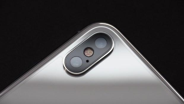 iPhone X 金屬邊框居然超脆弱!推薦你到這邊來體驗超完整包膜 B132180