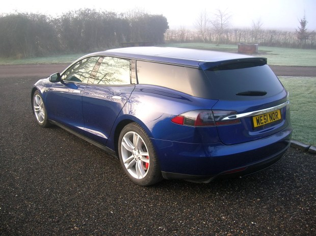 電動車多了新成員,以 Tesla Model S 改造的 Shooting Brake tesla-shooting-brake-london-show-1-900x673